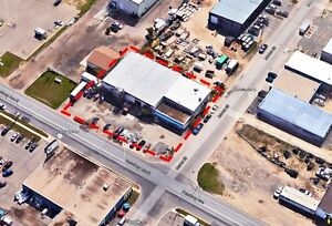 Industrial Building with office/showroom high traffic-Sale/Lease