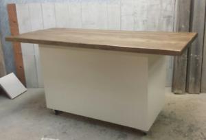 Kitchen island , kitchen cabinets