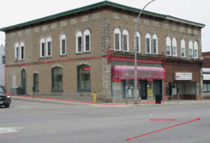 FOR LEASE: Downtown High Visibility Smiths Falls Restaurant