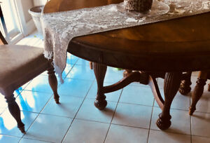 Beautiful Ashley Oak Kitchen Table for Sale!!