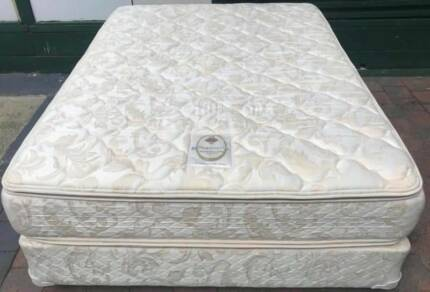 Excellent condition Sealy Brand Queen bed set. Delivery is availa