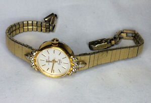Ladies Gold plated Hamilton quartz watch works great.