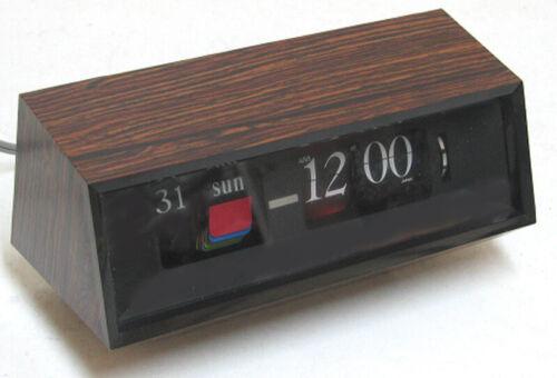 vintage COPAL #602  FLIP Clock / Calendar Near MINT  JAPAN