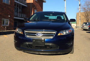 **Reduced - Low KMs ** Immaculate 2011 Ford Taurus SEL**