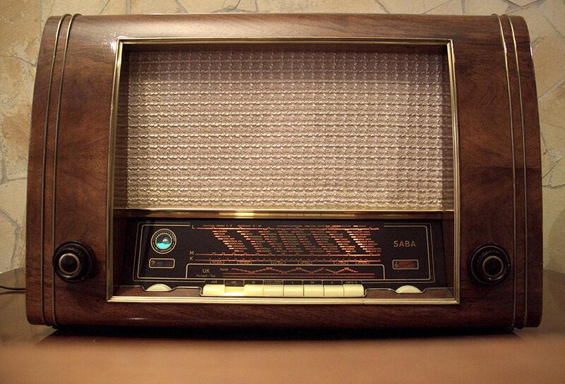 Wie restauriert man ein altes SABA Radio?