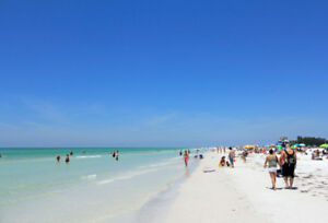 Renovated Siesta Key Townhome across from Sugary, White Sand &