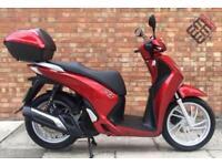 Honda SH 125 (17 REG), Smart key syste, One owner, low mileage!
