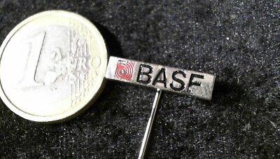 BASF Anstecknadel Badge selten rare v3