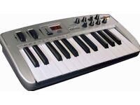 Oxygen 8 MIDI keyboard (for DJ / producer)