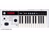 (PRICE NOW REDUCED TO £200!!) - KORG MICRO X SYNTH FOR SALE (WHITE COLOUR / EXCELLENT CONDITION)