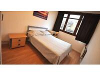 DOUBLE ROOM IN FLAT SHARE NEAR STRATFORD, PRICE HAS BEEN REDUCED NEEDS TO GO BY FRIDAY!!