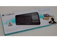 FRENCH Layout : NEW Boxed : FRENCH AZERTY Logitech K400 Wireless Keyboard (Hard to find these!)