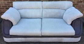 EXCELLENT CONDITION USED 3 SEATER SOFA