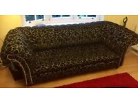 3 Seater Chesterfield Sofa - Black and Grey Fabric in Giraffe Pattern - Awesome Condition
