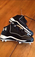 Brand new under armour size 9 baseball cleats