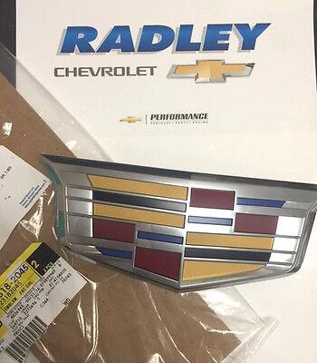 2015-2016 Cadillac Escalade ESV GM OEM Front Grille Emblem NEW 23182045 B01