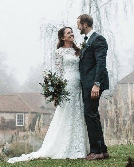 d68c4a2fc3 STUNNING WHITE ROSE COUTURE LONG SLEEVE WEDDING GOWN. In Beautiful Ivory  Antique Lace. Size 10 12