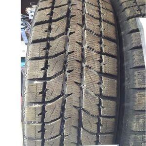 Pneus d'hiver usagés Bridgestone Blizzak P205-65R15 2056515
