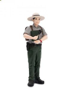 JIM-THE-PARK-RANGER-821329-FREE-SHIP-USA-w-25-Safari-Ltd-Products