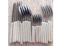 20 piece cutlery set