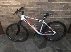 Giant Revel men's bike
