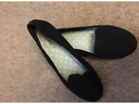 Black ballerina pumps size 7