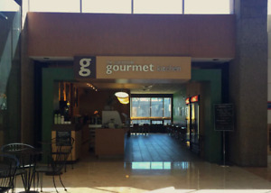 "AUCTION ! "" Gourmet Kitchen"" Resto. Onsite & LIVE  March 30 @ 2"