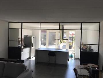 ≥ Scheidingswand keuken woonkamer: industriële uitstraling ...