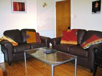 Double room in friendly young professional house share close to transport