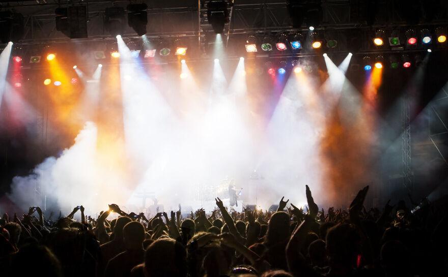 Superjeilezick: Musikband Brings sorgt mit Kölscher Mundart für Stimmung