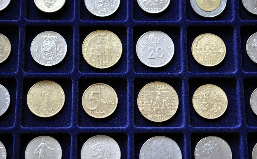 Top 3 Rare Coin Display Kits