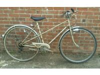 Ladies Raleigh classic traditional townbike