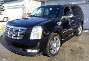 2011 Cadillac Escalade AWD Fully Loaded Mint Condition