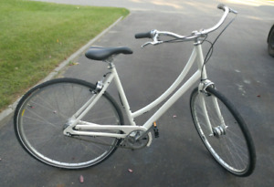 Woman's Specialized Daily Elite like NEW!