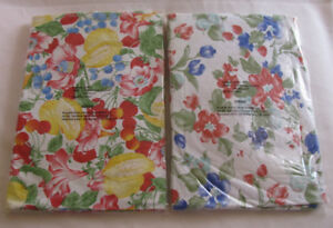 """54"""" Round Plastic Vinyl Tablecloth 2 Different Choice Brand New"""