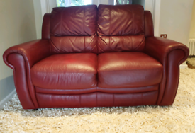 DELIVERY INCLUDED VGC 2 seater genuine ox red leather sofa