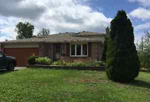 4+1 Bedroom Home with Double Car Attached Garage in Bracebridge