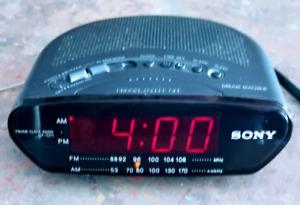 Radio réveil AM FM  Sony