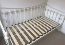Cream day bed, can deliver