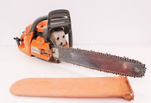 (SE) (52598) (outdoors) Husqvarna chainsaw