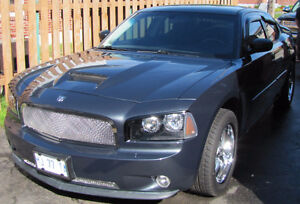 2008 charger only 80000km