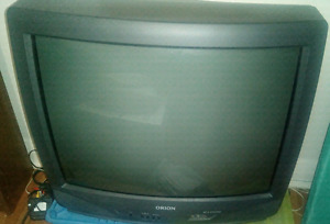 FREE DVD PLAYER w BEAUTIFUL 26 in Color TV w remote & RCA jacks.