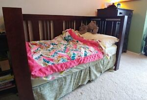 Convertible Crib with matress and extras