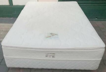Good condition Queen bed set(pillow top mattress).Deliver availab