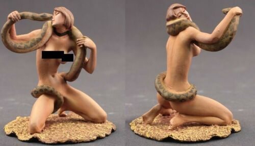tin toy soldiers painted  Girl 80mm Python girl