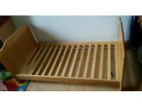 Toddler bed with 2x mattresses