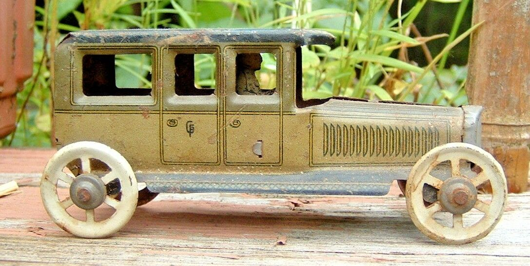 estate TIN LITHO antique toy Car with a driver, made in GERMANY by Georg Fischer