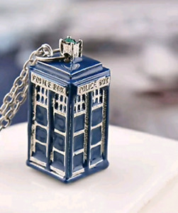 Doctor Who Tardis pendant with 925 Sterling Silver chain