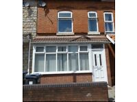 5 bed house to let