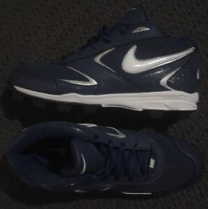 NEW Nike Cleats - Size 8.5